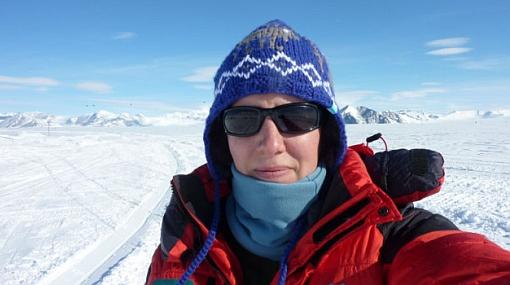 Aventurera británica logró cruzar sola la Antártida 440047