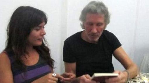 Camila Vallejo, Roger Waters