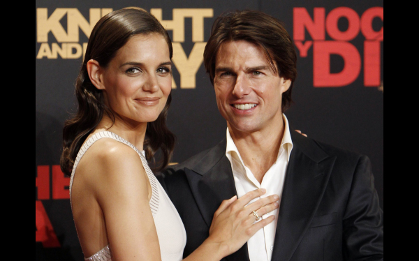 Tom Cruise y Katie Holmes se divorcian tras 5 aos de matrimonio