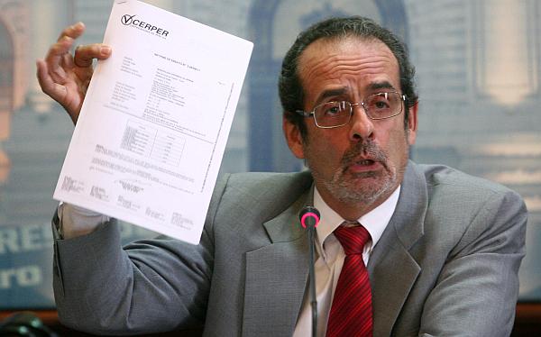 Javier Diez Canseco demandará al Congreso por haberlo suspendido 90 días