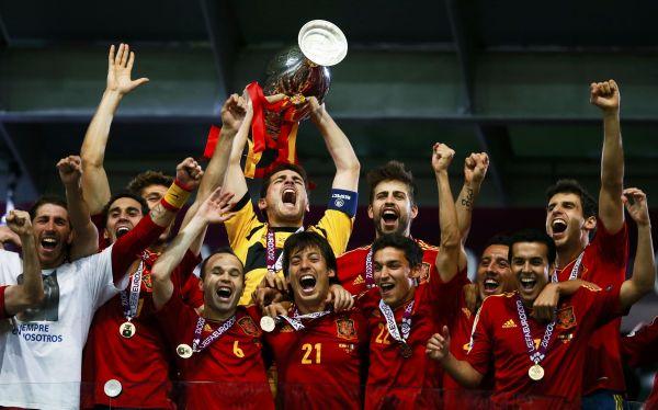 España: 21 citados para enfrentar a Uruguay.