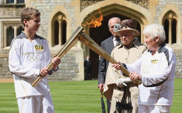 Reina Isabel II,  Duque de Edimburgo