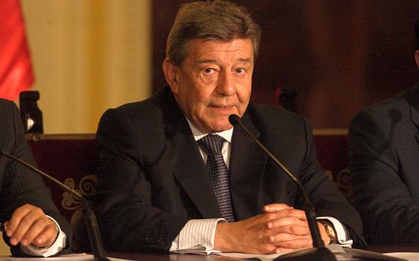 Mario Vargas Llosa, Corte Internacional de Justicia de La Haya, Jorge Edwards, Diferendo marítimo Perú Chile, Perú, Chile