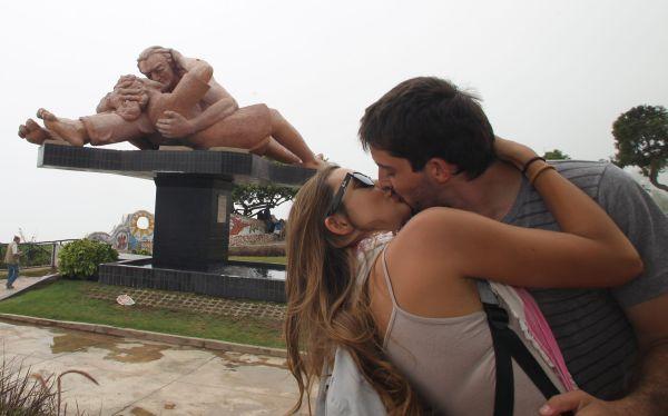 Seis lugares del mundo donde está prohibido besar en público 500065