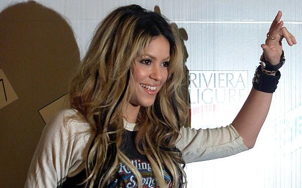 Shakira, Jairo Varela