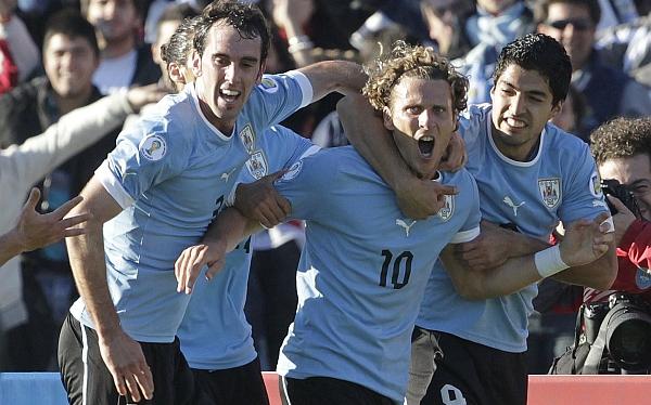 Óscar Washington Tabárez, Selección colombiana, Selección ecuatoriana, Selección uruguaya, Eliminatorias Brasil 2014
