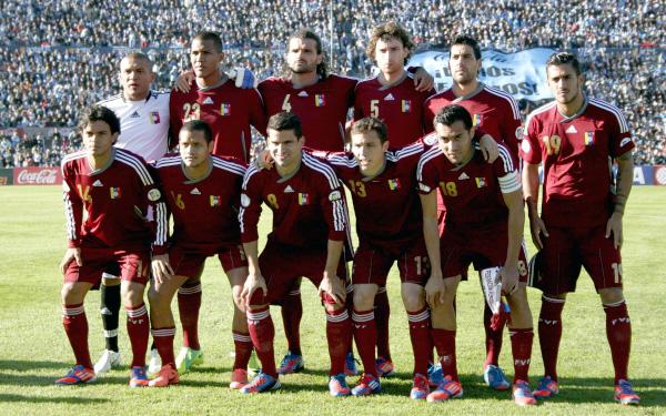 César Farías, Eliminatorias Brasil 2014, Selección venezolana, Selección peruana,  Lino Alonso
