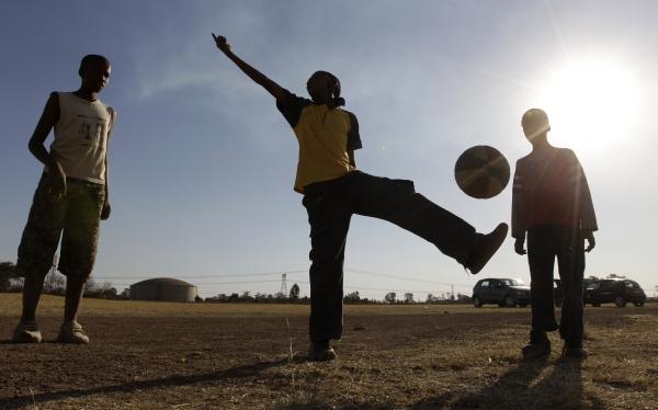 Fútbol internacional, Samuel Eto'o,  Miguel Alcantud
