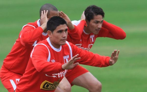 Paolo Guerrero, Irven  Ávila, Eliminatorias Brasil 2014, Selección peruana