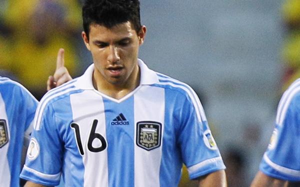 Sergio Agüero, Selección argentina, Eliminatorias Brasil 2014, Selección peruana