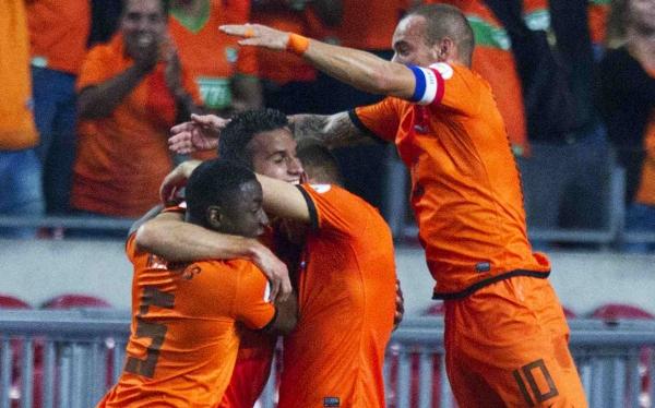 Robin van Persie, Selección holandesa, Selección turca, Eliminatorias Brasil 2014