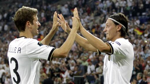 Selección alemana, Mesut Özil, Eliminatorias Brasil 2014