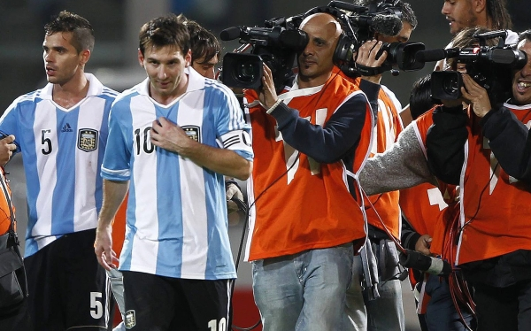 Lionel Messi, Selección argentina, Eliminatorias Brasil 2014, Selección peruana