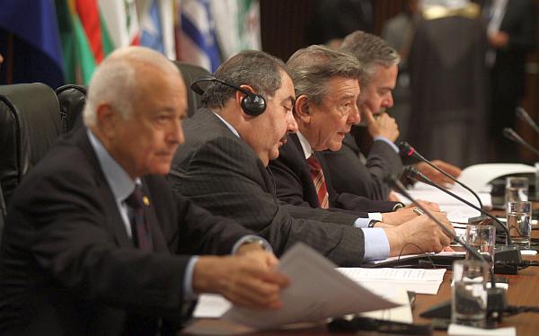 Unasur, Rafael Roncagliolo, III Cumbre ASPA, Liga de Estados Árabes