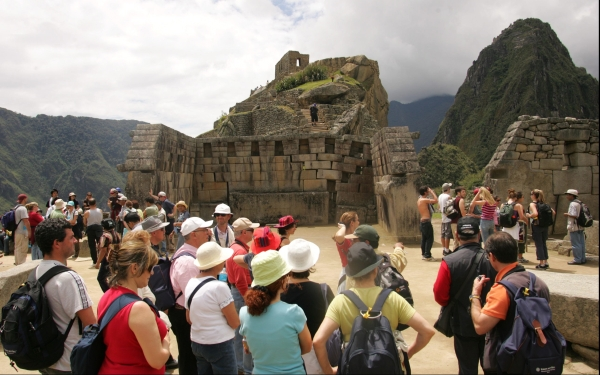 Cusco: cerca de tres mil turistas llegan cada da por va area