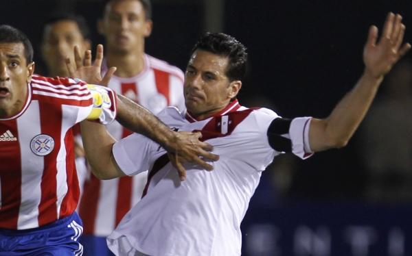 Claudio Pizarro terminó enojado porque faltó