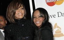 La hija de Whitney Houston se comprometió con su hermanastro - Noticias de whitney houston