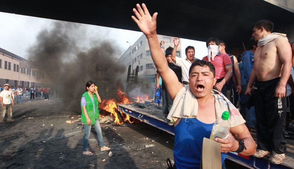 """Abogado de comerciantes sobre caos en La Parada: """"Han hecho una legítima defensa"""