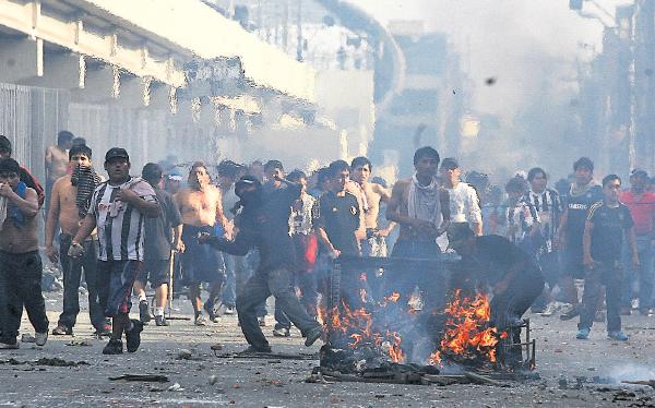 La Parada: comerciantes amenazan con paro indefinido si Municipalidad insiste en colocar muros
