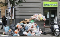 El lado sucio del turismo: cada viajero genera un kilo de basura al da en Europa