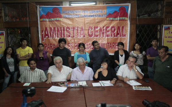 Peruanos que saben qué es el Movadef rechazan su participación en política