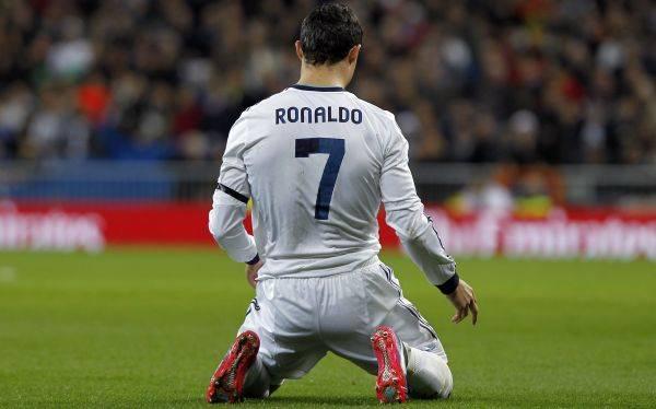 Real Madrid igualó 2-2 ante Espanyol y puede alejarse más de Barcelona