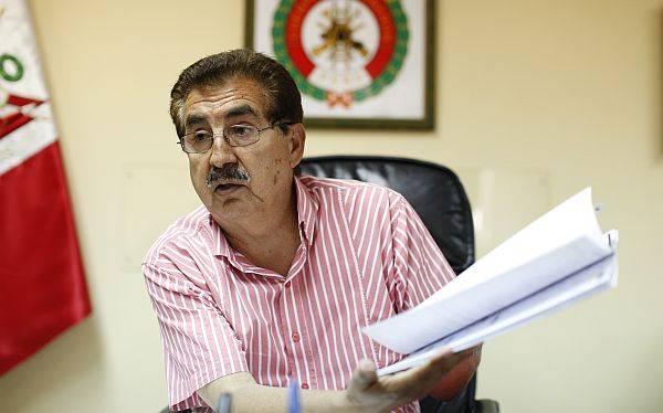 Contraloría denunció al ex jefe de los bomberos por compras irregulares