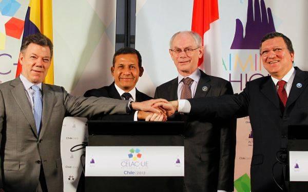 Ollanta Humala llegó a Chile y se sumó a la Cumbre Celac-UE con un día de retraso