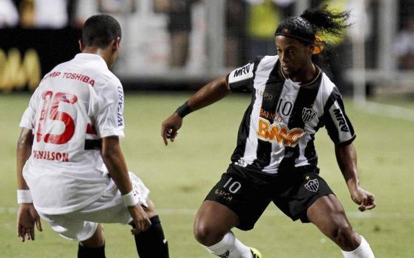 Copa Libertadores: Ronaldinho brilló en triunfo de Atlético Mineiro