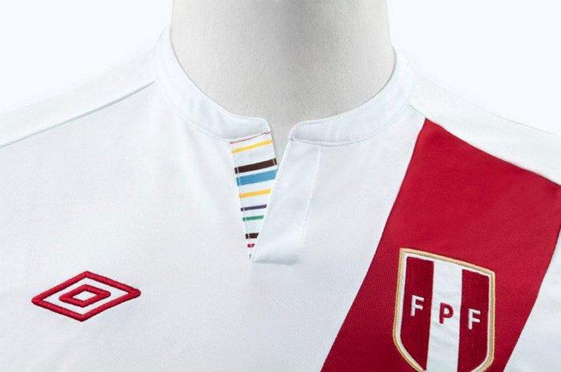 Nueva Camiseta Perú 2011