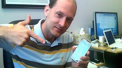 Apple expulsa a desarrollador que encontró un fallo