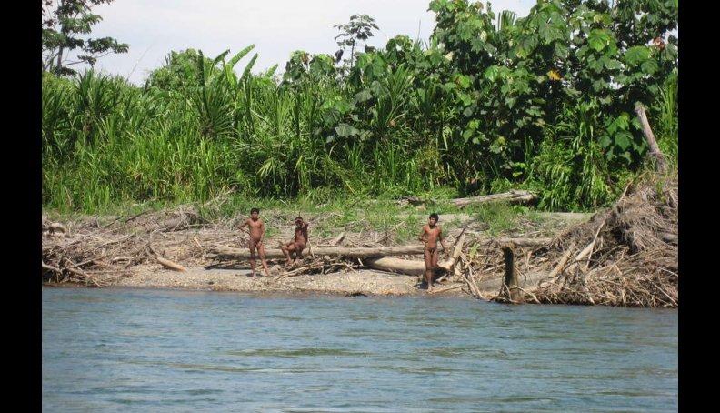 Fotos: Nuevas imágenes de indígenas no contactados en Perú