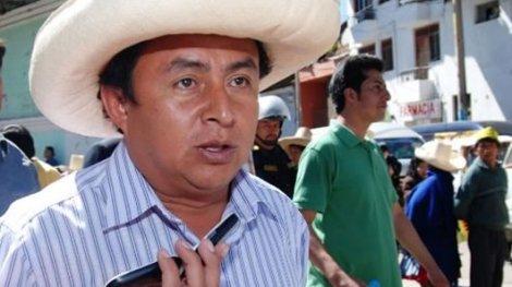 Santos: Humala debe pedir perdón por apoyar minería