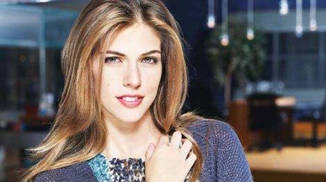 Stephanie Cayo es premiada como mejor actriz en Colombia