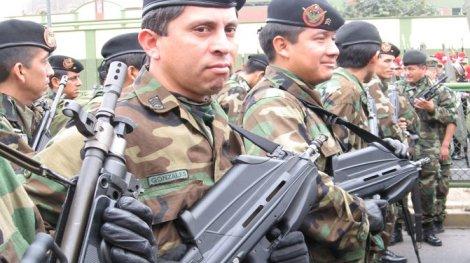 Gobierno aumentará en 100% sueldos de Fuerzas Armadas y Policía